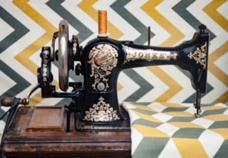 Old sewing machine. SA textiles industry loses 577 jobs a quarter